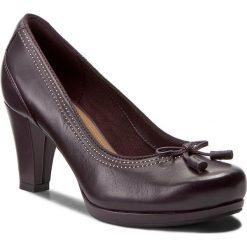 Półbuty CLARKS - Chorus Bombay 261290924 Aubergine Leather. Czarne półbuty damskie skórzane marki Clarks. W wyprzedaży za 259,00 zł.