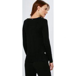 Guess Jeans - Sweter Beth. Szare swetry klasyczne damskie Guess Jeans, l, z dzianiny. Za 369,90 zł.