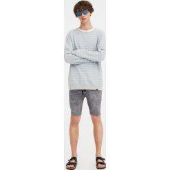 Spodenki i szorty męskie: Szare jeansowe bermudy super skinny fit