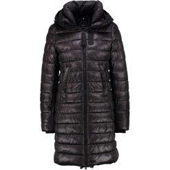 GStar WHISTLE Płaszcz zimowy black. Czerwone płaszcze damskie zimowe marki Cropp, l. W wyprzedaży za 510,95 zł.