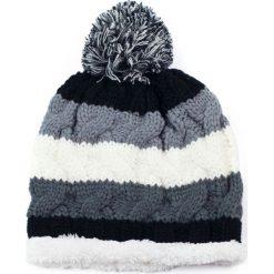 Czapka damska Futerkowe podbicie szaro biała. Białe czapki zimowe damskie marki Art of Polo. Za 37,60 zł.