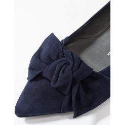 Peter Kaiser BAILA Baleriny notte. Niebieskie baleriny damskie lakierowane Peter Kaiser, z materiału. Za 669,00 zł.