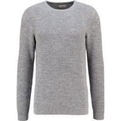 Swetry klasyczne męskie: Selected Homme SHNNEWVINCE BUBBLE CREW NECK Sweter medium grey melange