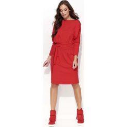 Czerwona Sukienka Odcinana w Pasie z Wiązaniem. Czerwone sukienki na komunię Molly.pl, na co dzień, na jesień, m, w paski, z tkaniny, midi. Za 104,90 zł.