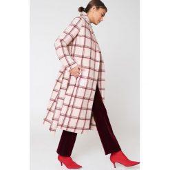Płaszcze damskie: NA-KD Trend Długi płaszcz w kratę – Pink