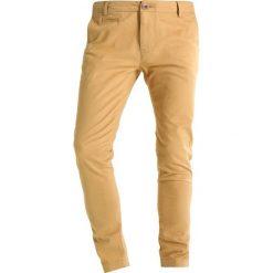 Chinosy męskie: Knowledge Cotton Apparel PISTOL JOE Spodnie materiałowe dessert sand
