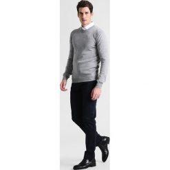 Swetry klasyczne męskie: Casual Friday Sweter light grey melange