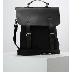Enter Torba na ramię black. Czarne torby na laptopa Enter, na ramię, małe. W wyprzedaży za 461,45 zł.