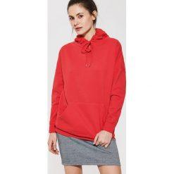 Bluzy damskie: Gładka bluza z kapturem – Czerwony