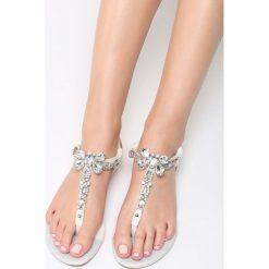 Białe Sandały Joyous. Białe sandały damskie vices, na płaskiej podeszwie. Za 39,99 zł.