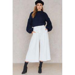 Spodnie z wysokim stanem: English Factory Szerokie spodnie z wiązaniem w talii – White