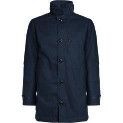GStar GARBER PADDED TRENCH Krótki płaszcz legion blue. Niebieskie płaszcze na zamek męskie G-Star, m, z bawełny. W wyprzedaży za 464,50 zł.