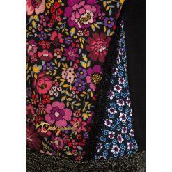 Desigual GREBE Bluza z kapturem black. Czarne bluzy dziewczęce rozpinane marki Desigual, z bawełny, z kapturem. W wyprzedaży za 216,75 zł.