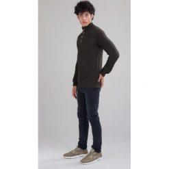 Minimum HEKE Sweter dark green. Szare kardigany męskie marki TOMMY HILFIGER, l, z bawełny, z okrągłym kołnierzem. W wyprzedaży za 381,75 zł.