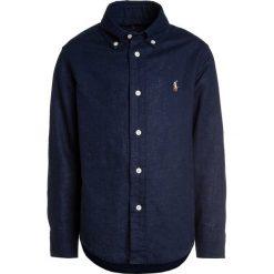 Polo Ralph Lauren Koszula newport navy. Niebieskie koszule chłopięce Polo Ralph Lauren, z bawełny, polo. Za 269,00 zł.