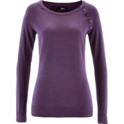 Sweter z plisą guzikową bonprix ciemny lila. Fioletowe swetry klasyczne damskie marki bonprix, z dzianiny, z okrągłym kołnierzem. Za 74,99 zł.