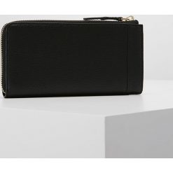 Calvin Klein VERTICAL LARGE ZIPAROUND Portfel black. Czarne portfele damskie marki Calvin Klein. Za 449,00 zł.