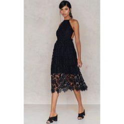 Sukienki boho: NA-KD Boho Sukienka z ażurową koronką – Black