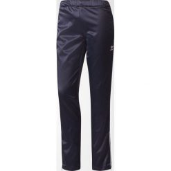 Adidas Spodnie damskie Europa granatowe r. 38 (BP9393). Czarne spodnie sportowe damskie marki Adidas. Za 242,69 zł.
