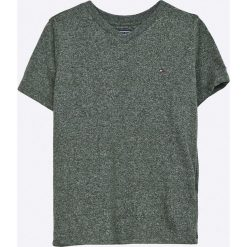 Tommy Hilfiger - T-shirt dziecięcy 122-176 cm. Szare t-shirty chłopięce marki TOMMY HILFIGER, z bawełny, z okrągłym kołnierzem. W wyprzedaży za 89,90 zł.