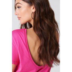 NA-KD Basic T-shirt z odkrytymi plecami - Pink. Różowe t-shirty damskie marki NA-KD Basic, z bawełny. W wyprzedaży za 21,18 zł.