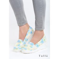 Niebieskie Koturny Mind Eraser. Niebieskie buty ślubne damskie marki Born2be, z materiału, na wysokim obcasie, na koturnie. Za 69,99 zł.