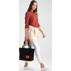 Shopper bag damskie: Calvin Klein Jeans ESSENTIAL CARRYALL TOTE Torebka black