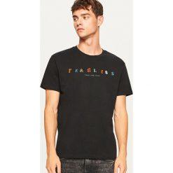 T-shirt Fearless - Czarny. Czarne t-shirty męskie marki Reserved, l. W wyprzedaży za 29,99 zł.