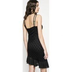 Missguided - Sukienka. Szare sukienki asymetryczne marki Mohito, l, z asymetrycznym kołnierzem. W wyprzedaży za 49,90 zł.