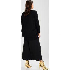 Swetry klasyczne damskie: Zizzi OCARRIE  Sweter black