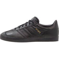 Adidas Originals GAZELLE Tenisówki i Trampki core black. Czarne tenisówki męskie marki adidas Originals, z materiału, klasyczne. W wyprzedaży za 215,20 zł.