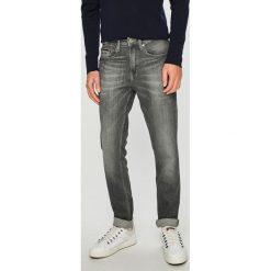 Tommy Jeans - Jeansy. Szare jeansy męskie regular Tommy Jeans, z bawełny. Za 399,90 zł.