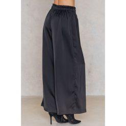 Spodnie z wysokim stanem: Just Female Spodnie Senso – Black