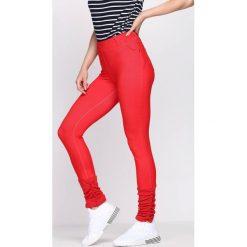Czerwone Legginsy Your Secret. Czerwone legginsy we wzory Born2be. Za 24,99 zł.