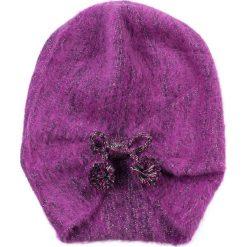 Czapka damska W trzech odsłonach fioletowa. Fioletowe czapki zimowe damskie Art of Polo. Za 49,91 zł.