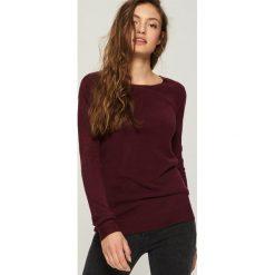 Sweter basic - Fioletowy. Fioletowe swetry klasyczne damskie Sinsay, l. Za 39,99 zł.