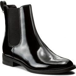 Sztyblety GINO ROSSI - Nevia DSG611-G12-0600-9900-F 99. Szare buty zimowe damskie marki Gino Rossi, w paski, z materiału, małe. W wyprzedaży za 279,00 zł.