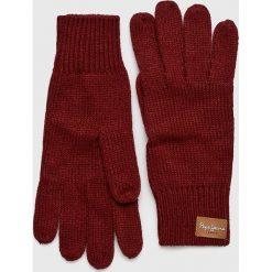 Pepe Jeans - Rękawiczki Elissa. Czerwone rękawiczki damskie Pepe Jeans, z dzianiny. W wyprzedaży za 79,90 zł.