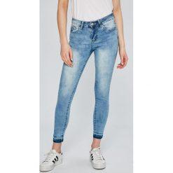 Answear - Jeansy. Niebieskie jeansy damskie rurki ANSWEAR, z bawełny. W wyprzedaży za 69,90 zł.