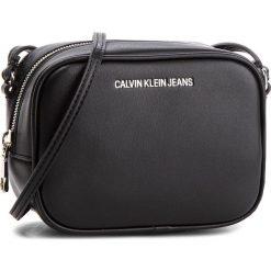 Torebka CALVIN KLEIN JEANS - Sculpted Camera Bag K40K400649  001. Czarne listonoszki damskie Calvin Klein Jeans, z jeansu. Za 399,00 zł.