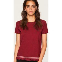 T-shirt z frędzlami - Bordowy. Czerwone t-shirty damskie marki Reserved, l. W wyprzedaży za 19,99 zł.