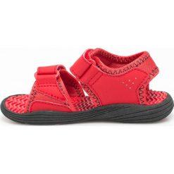 New Balance - Sandały. Różowe sandały chłopięce marki New Balance, z gumy. W wyprzedaży za 89,90 zł.