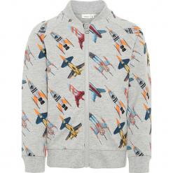 """Bluza """"Rabot"""" w kolorze szarym z wzorem. Szare bluzy chłopięce marki Name it Kids, z bawełny. W wyprzedaży za 62,95 zł."""