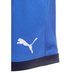 Puma FIGC ITALIEN KIDS REPLICA Krótkie spodenki sportowe team power blue. Niebieskie spodenki chłopięce Puma, z materiału, sportowe. Za 129,00 zł.