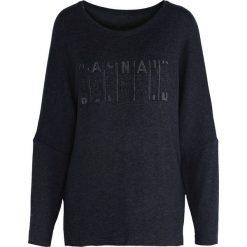 Granatowa Bluzka Paradisco. Czarne bluzki asymetryczne Born2be, l, z napisami, z okrągłym kołnierzem, z długim rękawem. Za 44,99 zł.