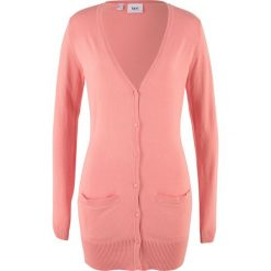 Długi sweter rozpinany bonprix brzoskwiniowy. Brązowe kardigany damskie marki bonprix. Za 54,99 zł.