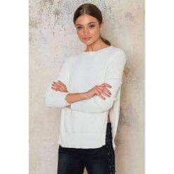 Swetry klasyczne damskie: Sally & Circle Sweter Alegra – White,Offwhite