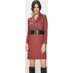 Answear - Sukienka. Brązowe sukienki balowe marki ANSWEAR, l, z bawełny, mini, dopasowane. Za 199,90 zł.