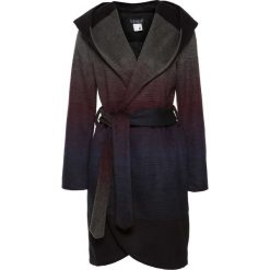 Płaszcz z kapturem bonprix czarny. Czarne płaszcze damskie bonprix. Za 239,99 zł.