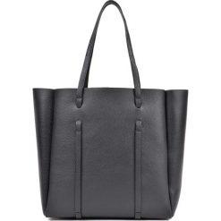 Torebka w kolorze czarnym - (S)42 x (W)33 x (G)12 cm. Czarne torebki klasyczne damskie Bestsellers bags, z materiału. W wyprzedaży za 299,95 zł.